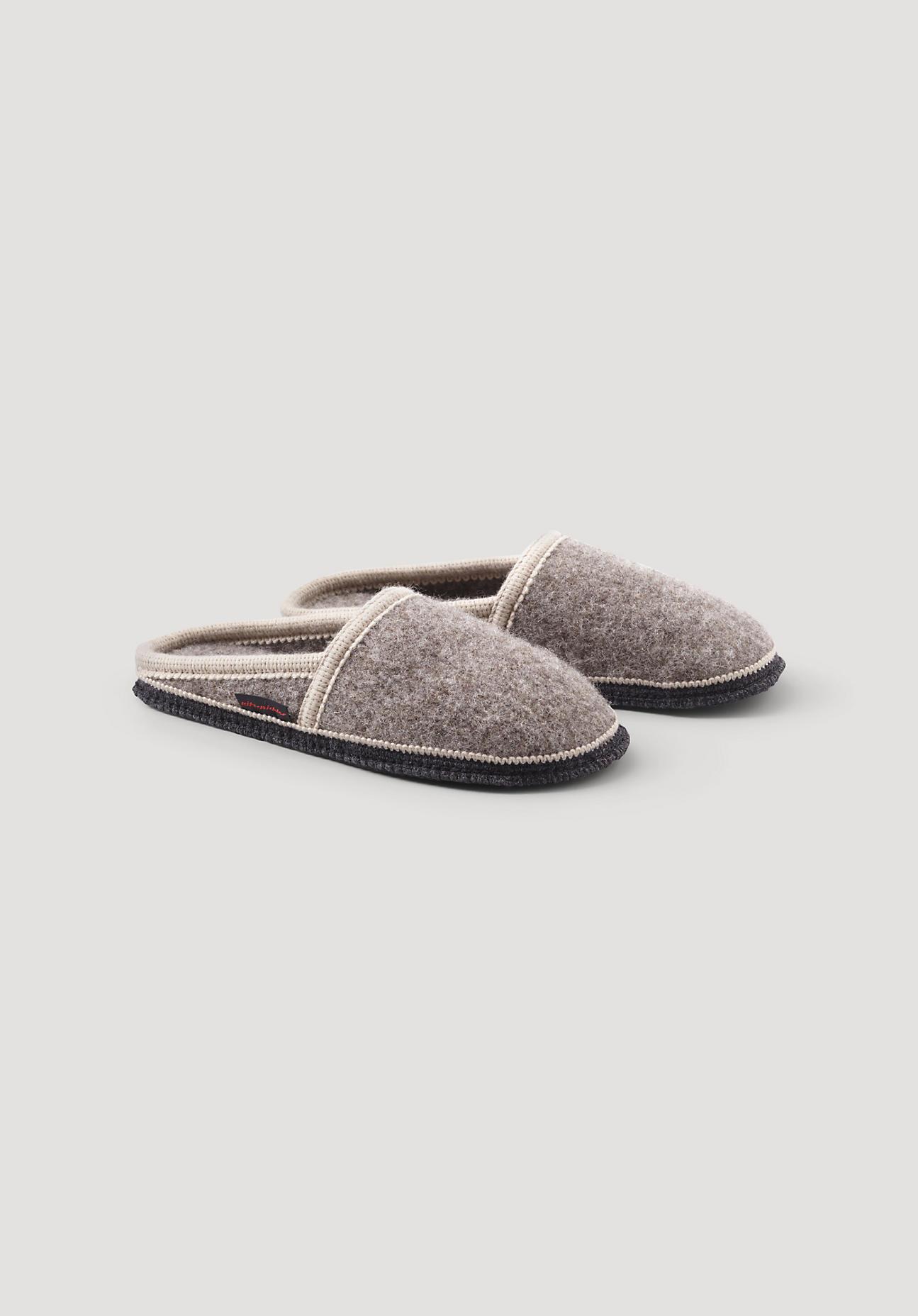 hessnatur Hausschuhe Pantoffel aus Schurwolle für Sie und Ihn – braun – Größe 44 | Schuhe > Hausschuhe > Pantoffeln | Steinnuss | hessnatur