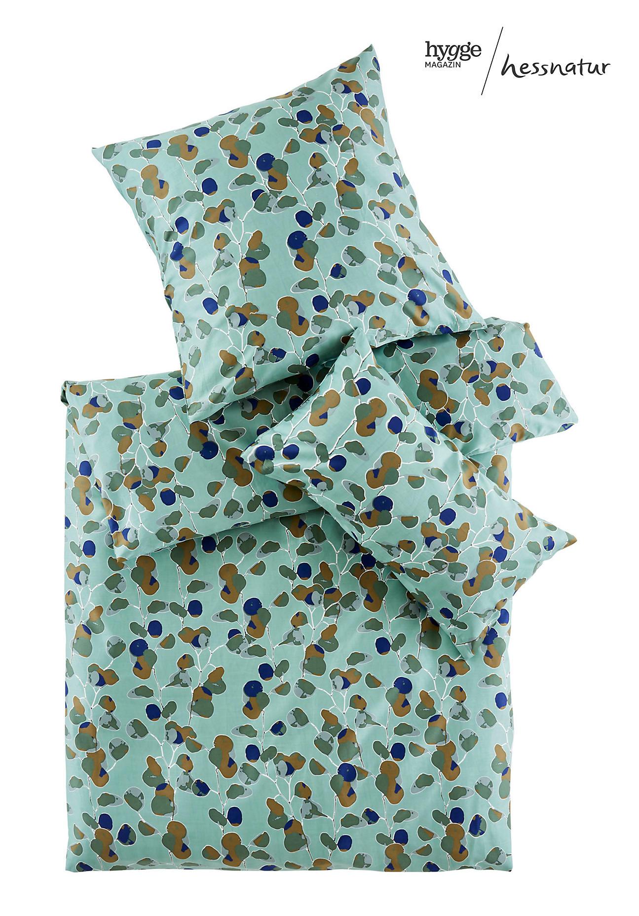 hessnatur Satin-Bettwäsche Rami aus Bio-Baumwolle – grün – Größe 135x200+40x80 cm