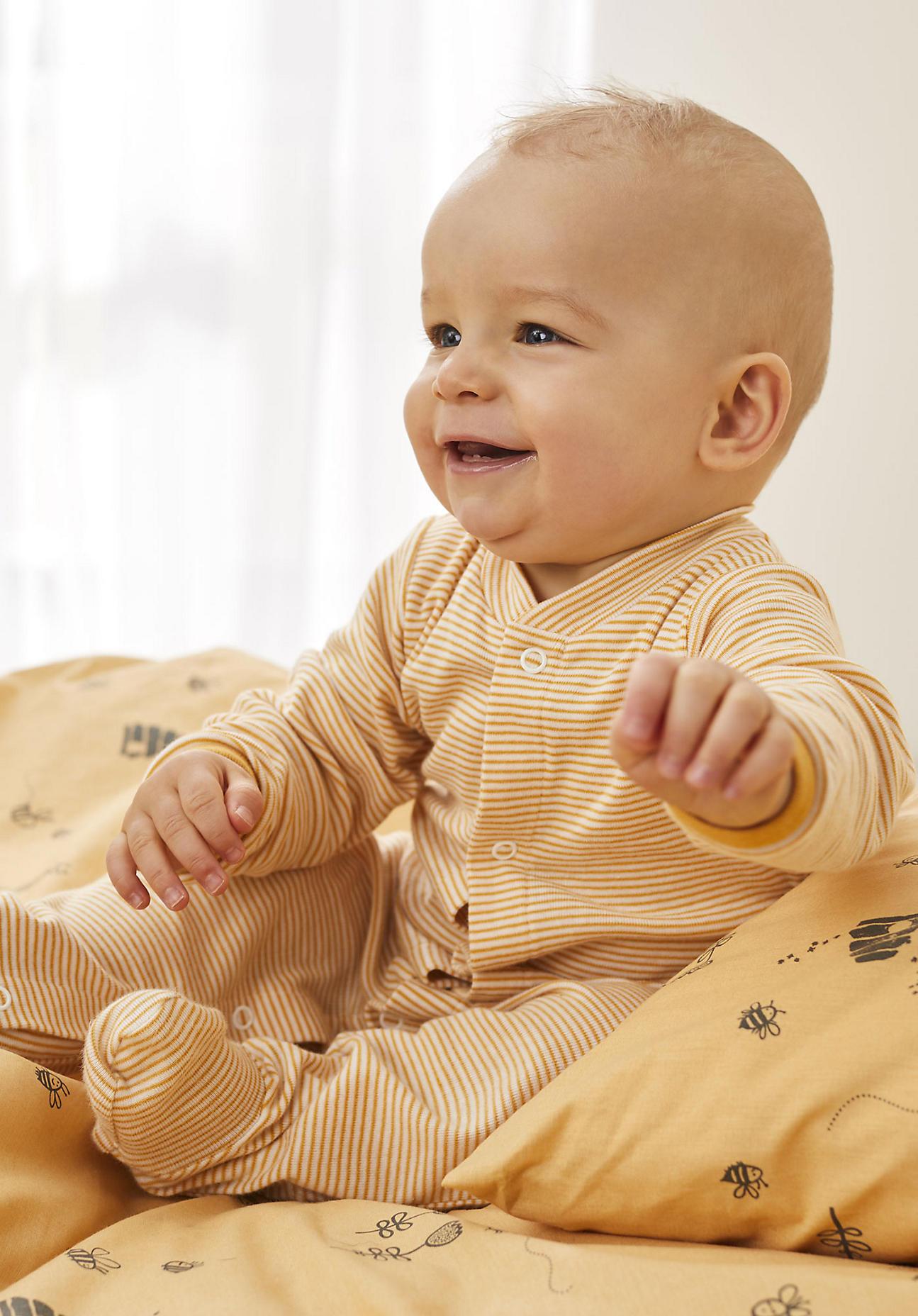 hessnatur Baby Schlafoverall aus Bio-Baumwolle - gelb Größe 62/68