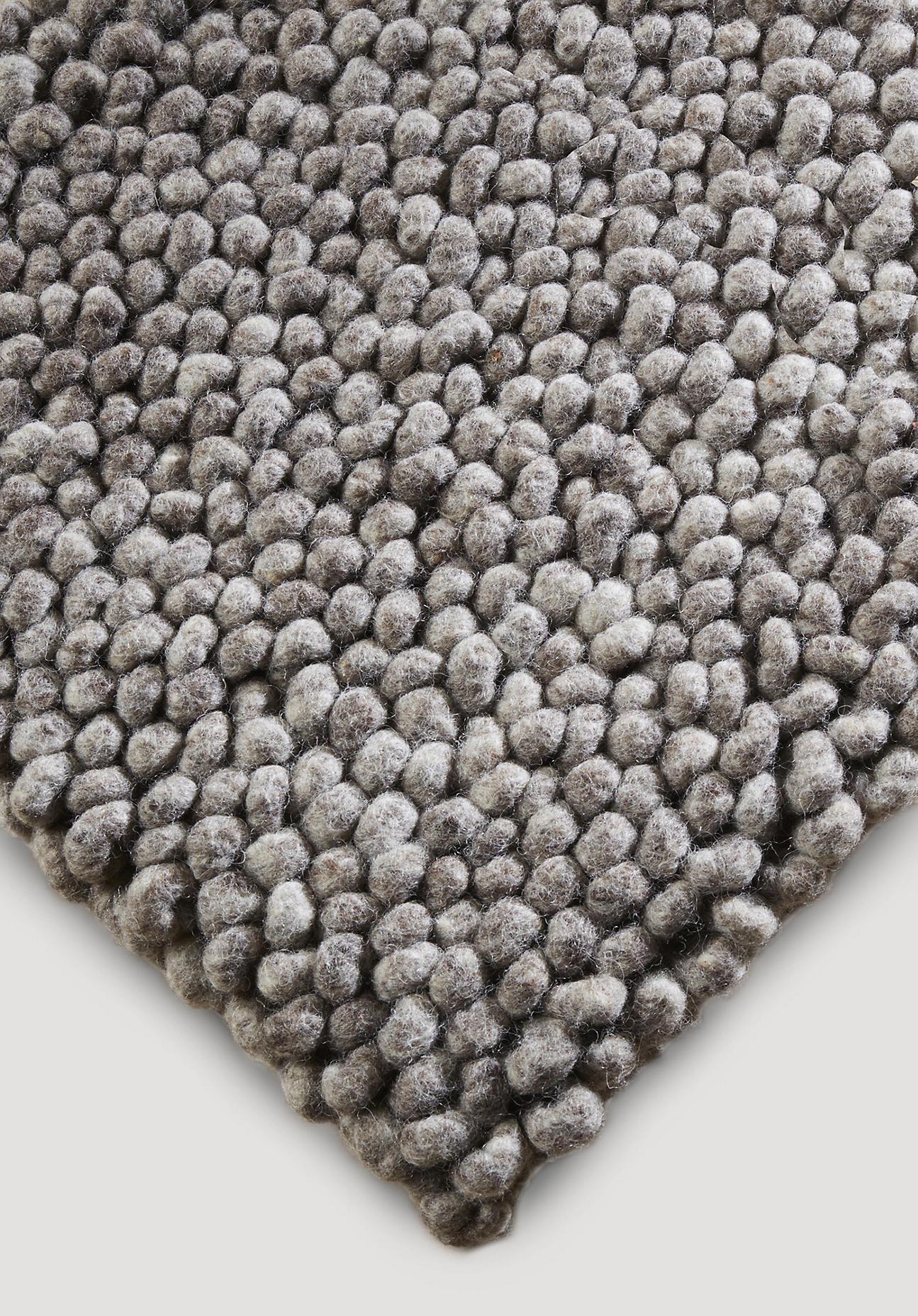 hessnatur Schlingenteppich Rhönschaf aus Schurwolle – grau – Größe 70x140 cm