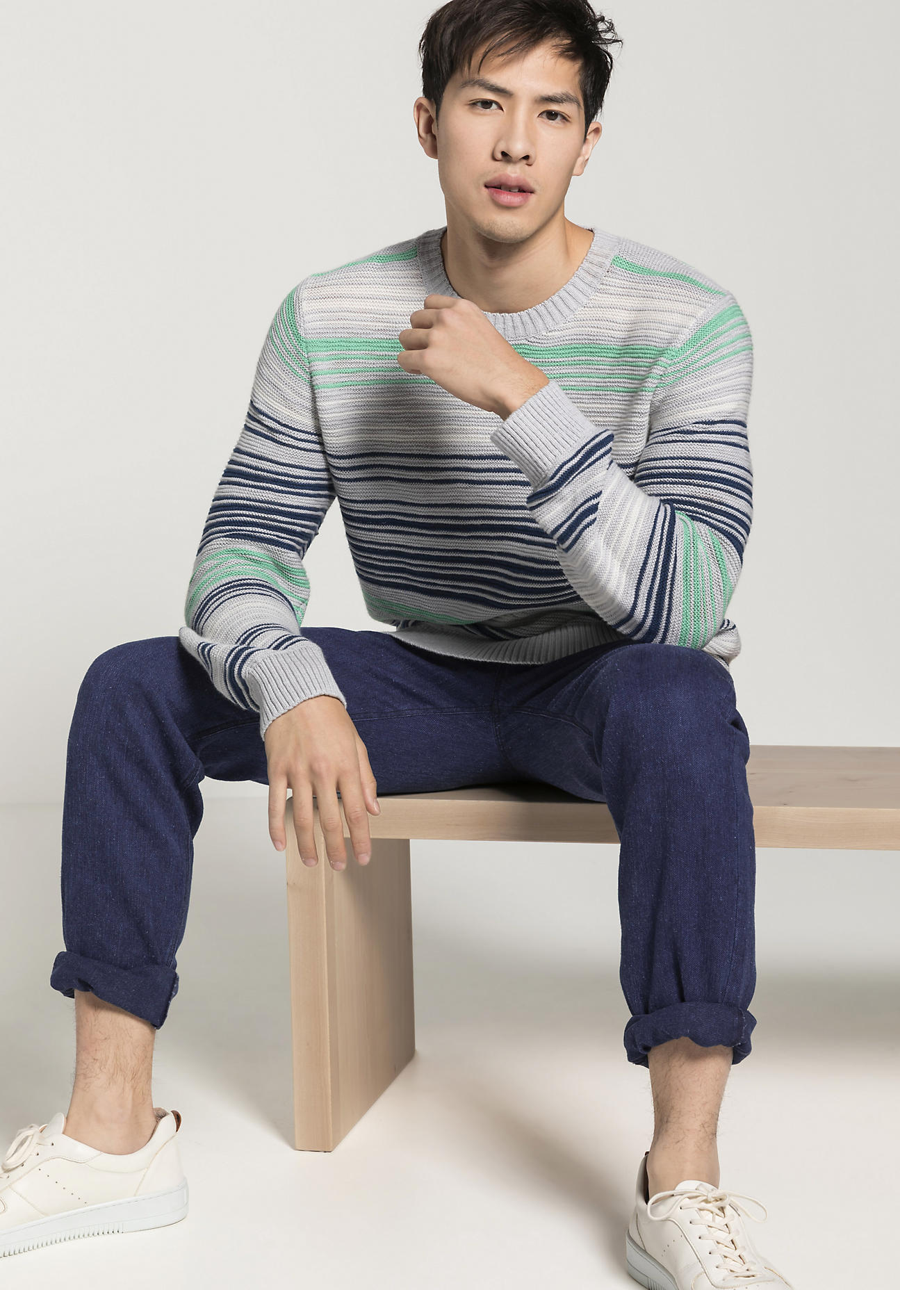 hessnatur Herren Streifen-Pullover aus Bio-Baumwolle mit Schurwoll-Leinen-Mix - grau Größe 50