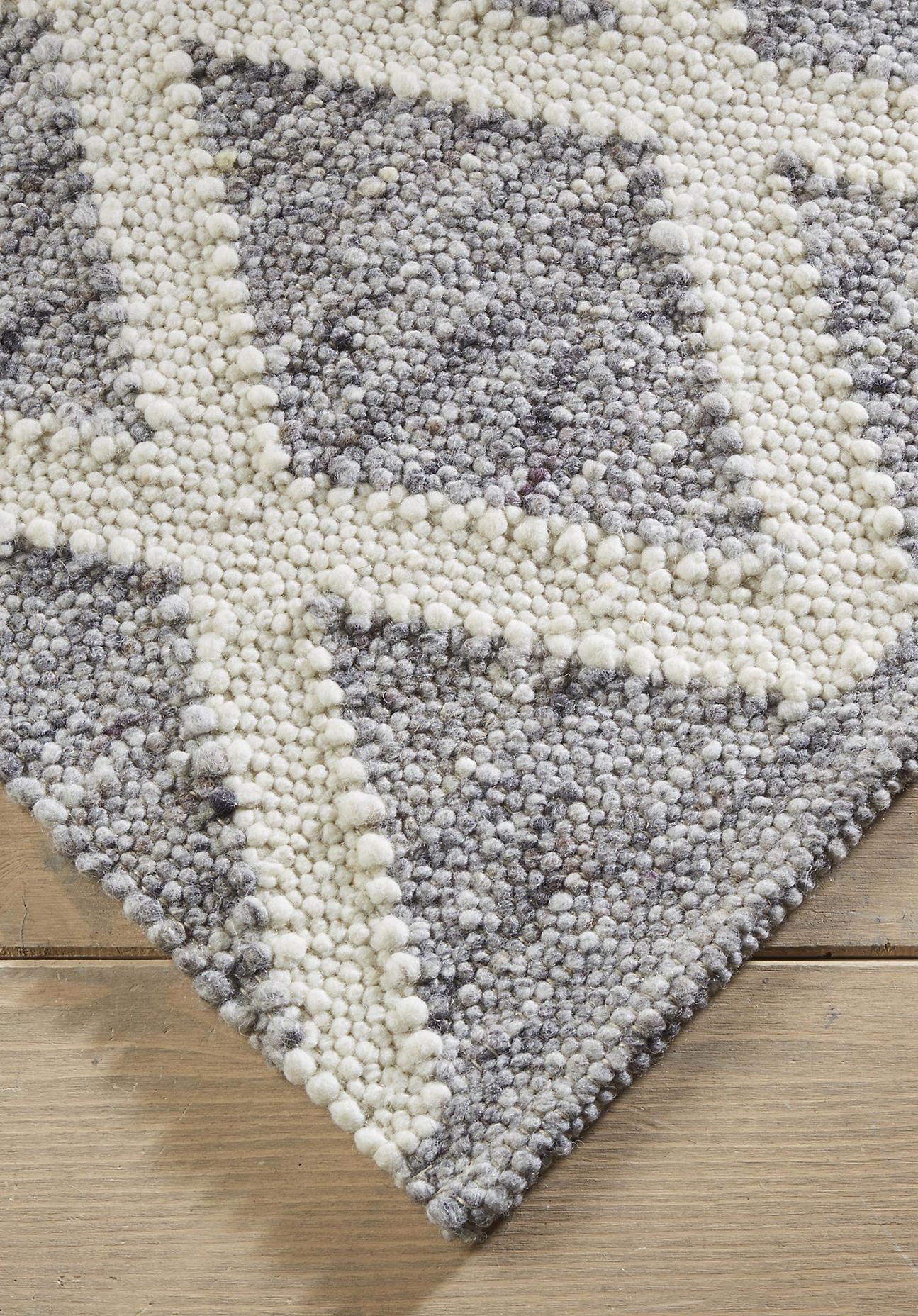 hessnatur Teppich Raute aus Schurwolle – grau – Größe 70x140 cm