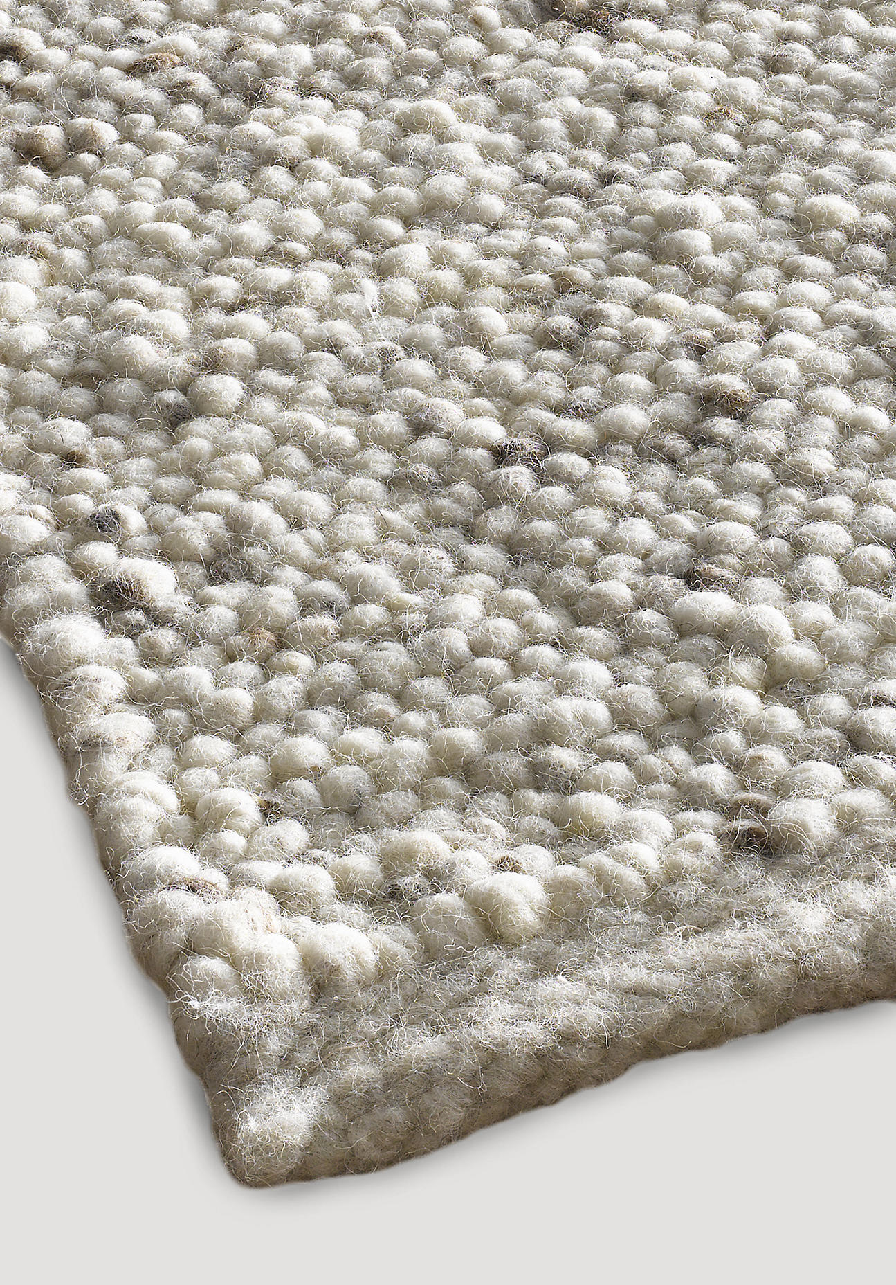 hessnatur Teppich Rhönschaf aus Schurwolle – beige – Größe 70x140 cm