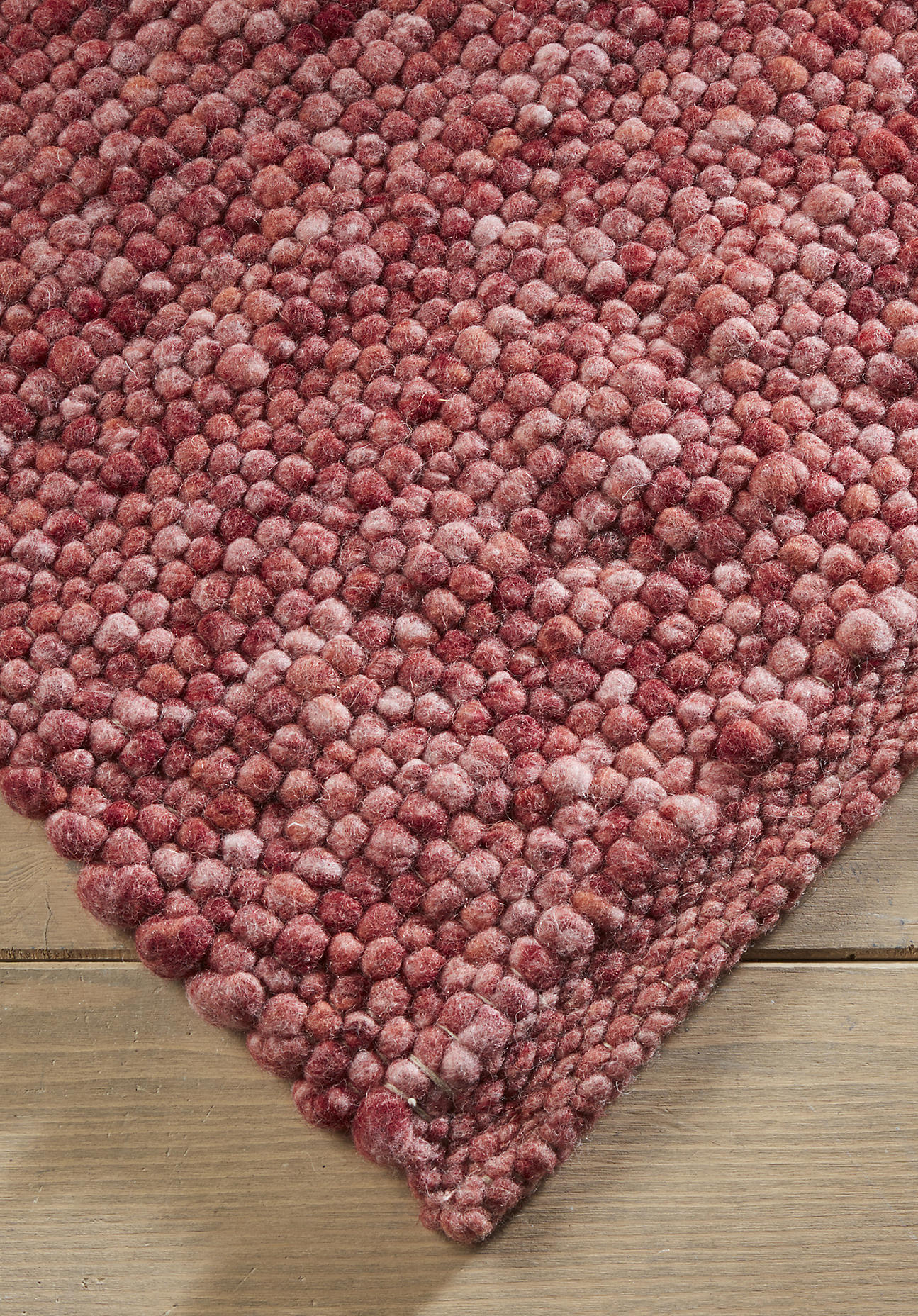 hessnatur Teppich Rhönschaf aus Schurwolle – rot – Größe 70x140 cm