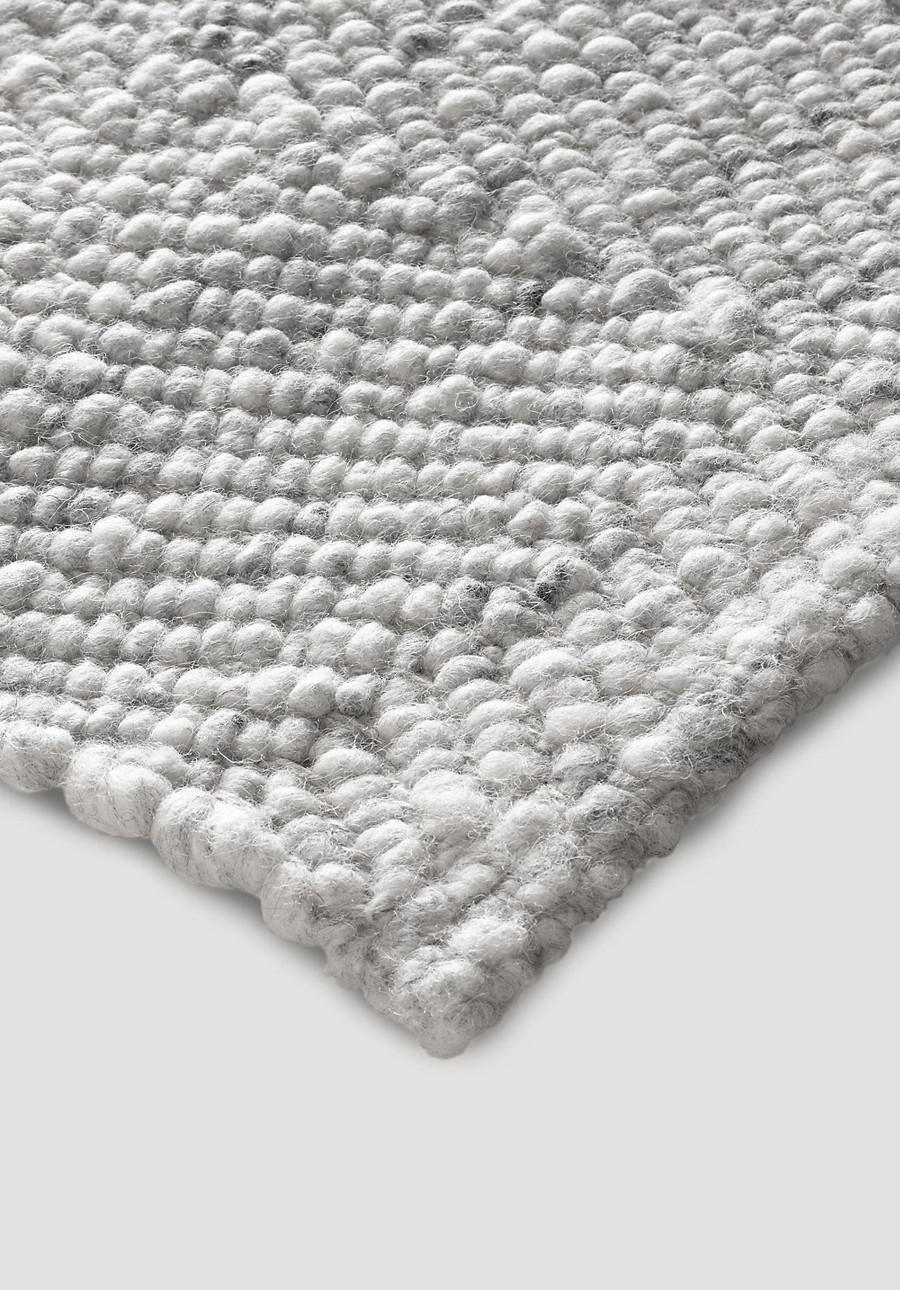 hessnatur Teppich Ruga aus Schurwolle – grau – Größe 70x140 cm