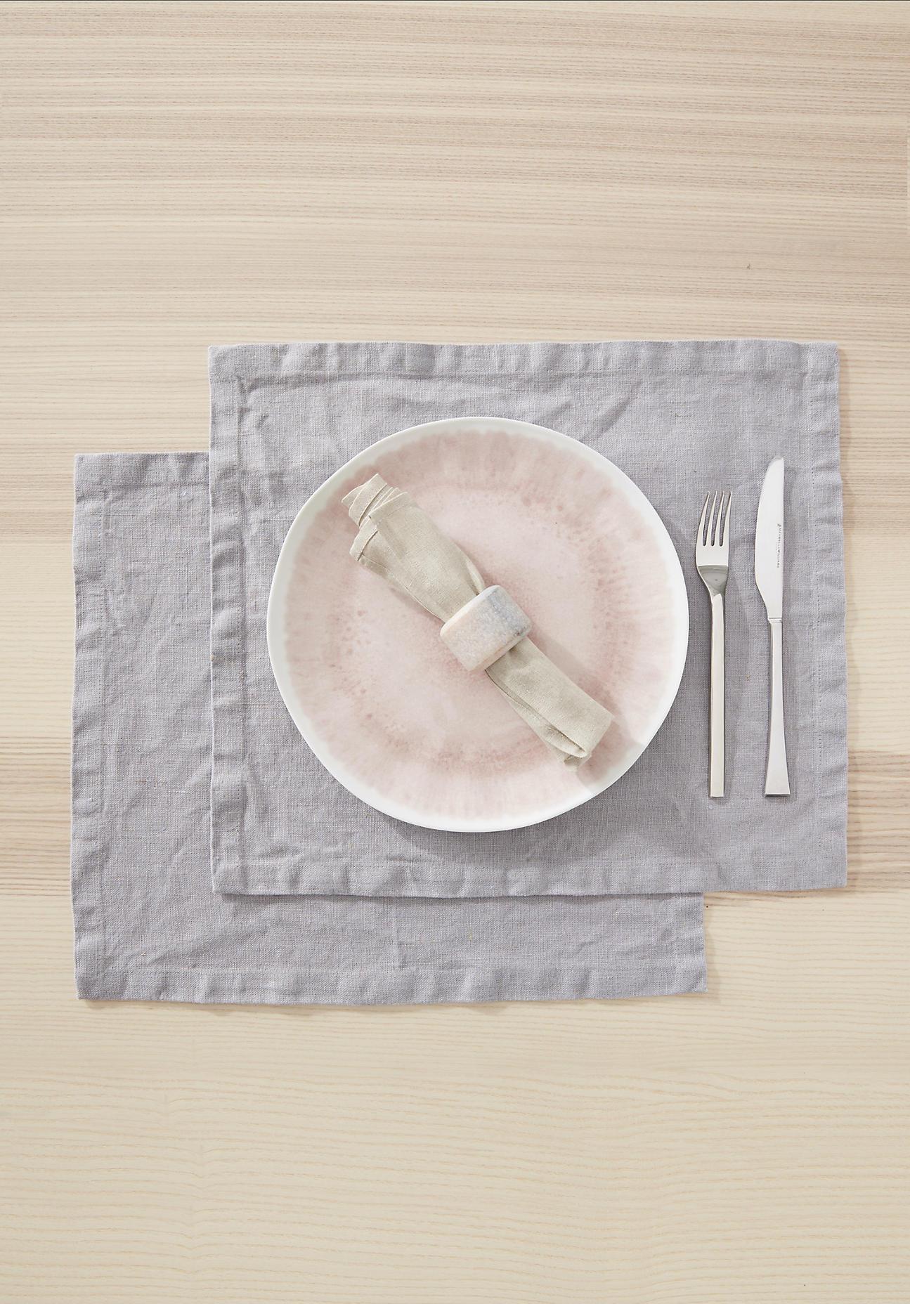 hessnatur Tischset im 2-er Set aus Leinen – grau – Größe 35x45 cm