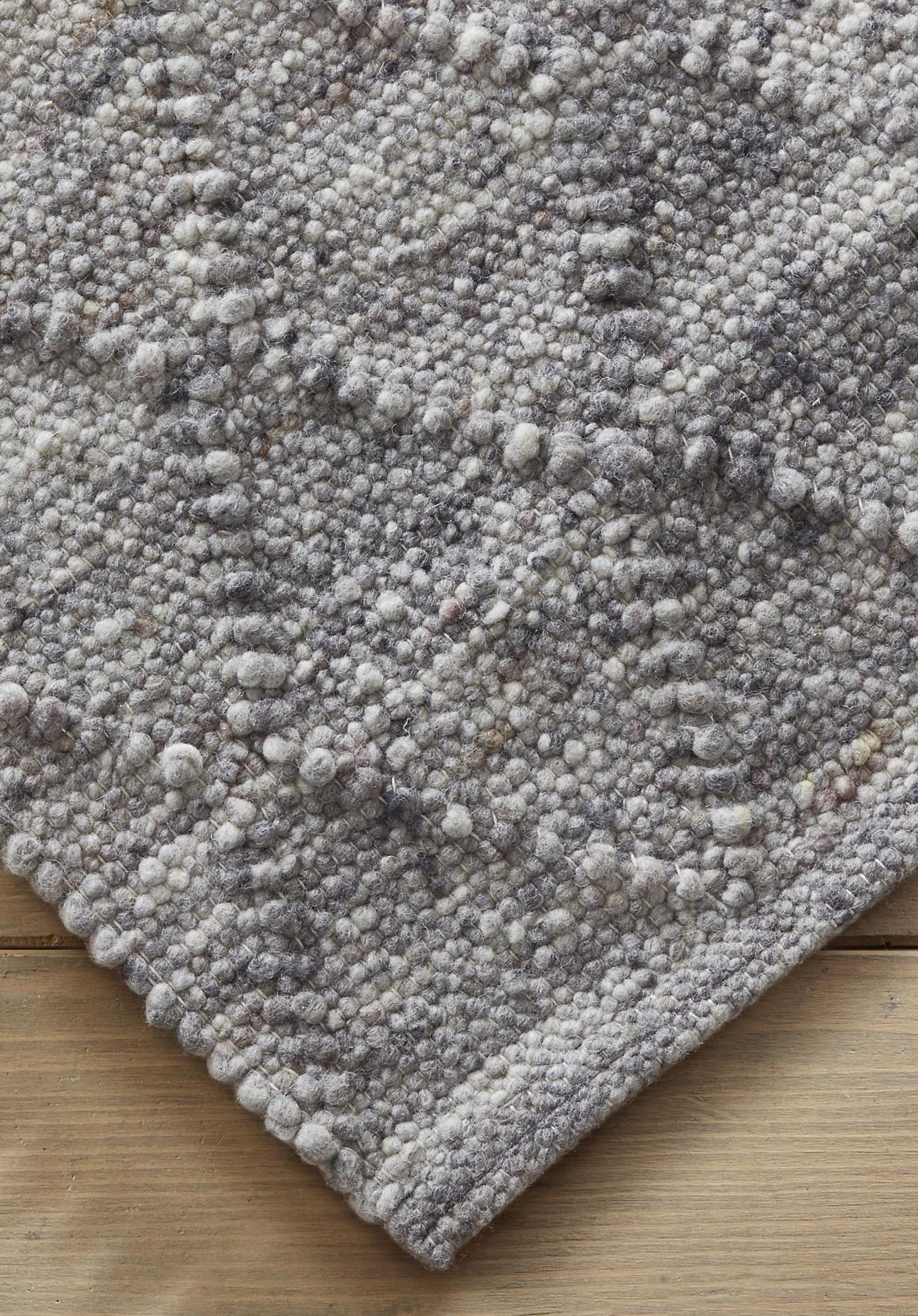 hessnatur Zopfmuster-Teppich Rhönschaf – grau – Größe 70x140 cm
