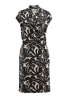 hessnatur Kleid aus Bio-Baumwolle und Modal, Größe 40, beige von Hess Natur in black - Schwarz für 0,00€
