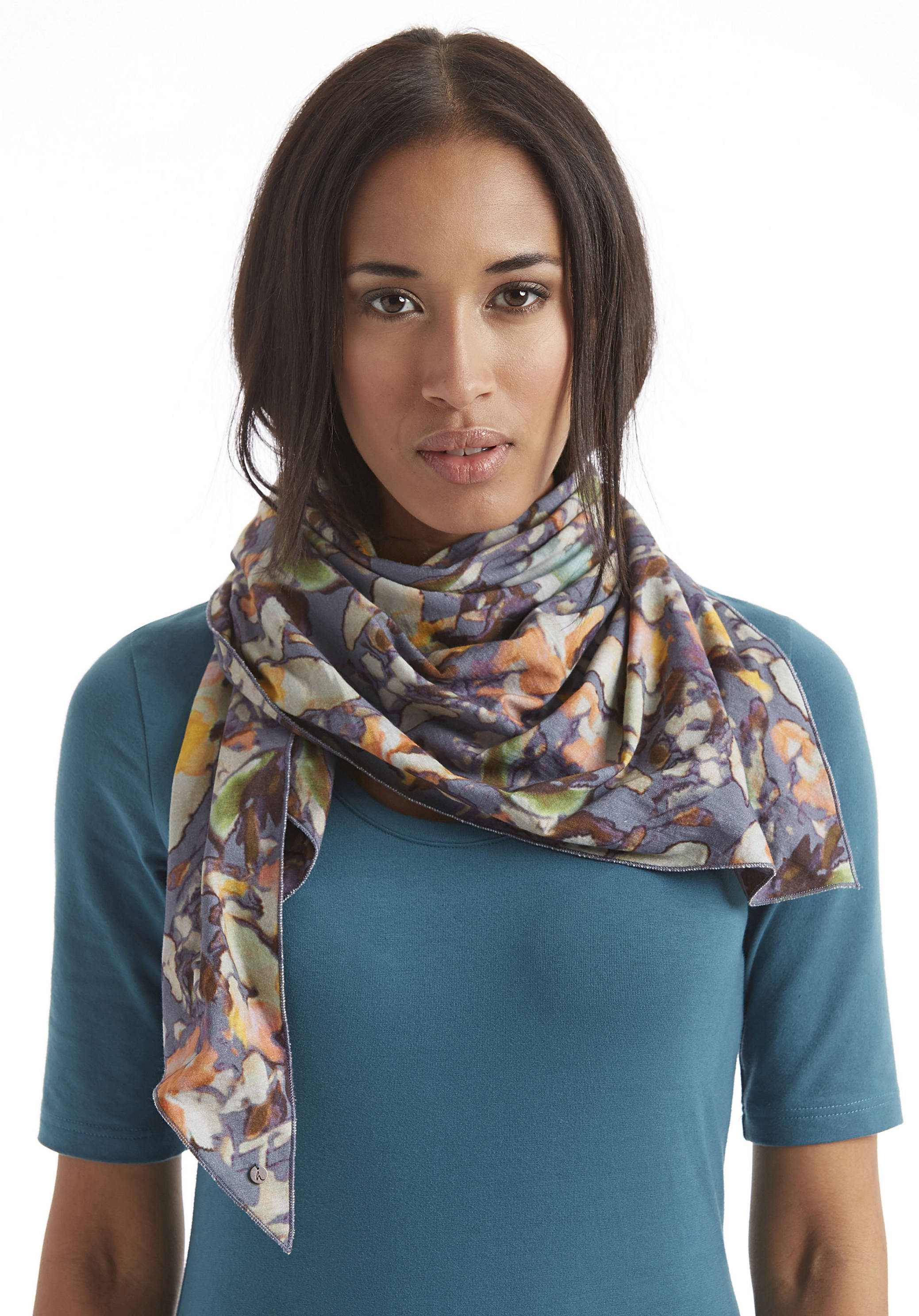 Halstuch bei Zalando | Geknotet oder um den Hals gewickelt, als i-Tüpfelchen zu deinem Outfit. Finde dein Lieblingstuch für kalte und warme Tage.