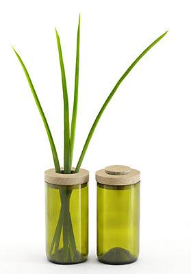 - Vase  und  Dose