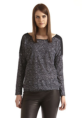 - Bedrucktes Shirt auf reiner Bio-Baumwolle