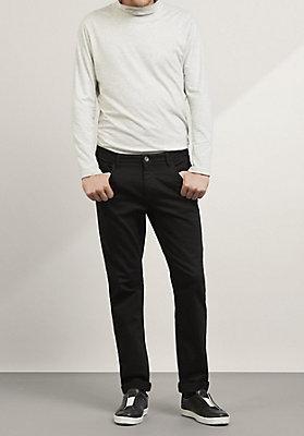 - Jeans mit Elasthan