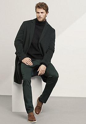 - Mantel aus reiner Schurwolle