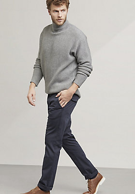 - Pullover aus Schurwolle mit Kaschmir