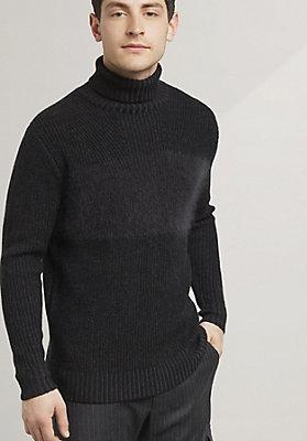 - Rollkragen-Pullover aus Schurwolle mit Mohair
