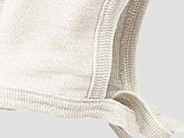Bonnet made of organic merino wool with silk