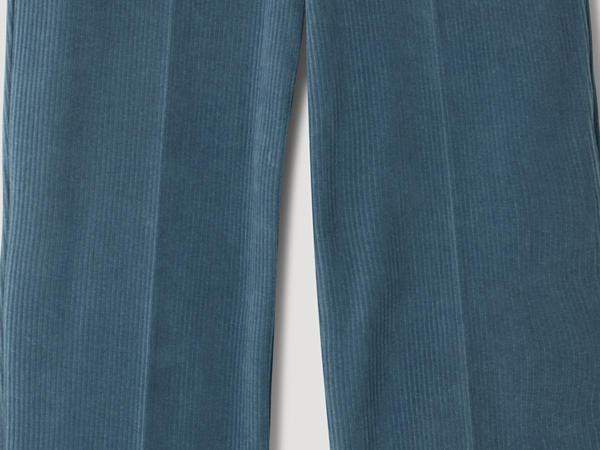 Cord-Hose Cropped Flared aus reiner Bio-Baumwolle