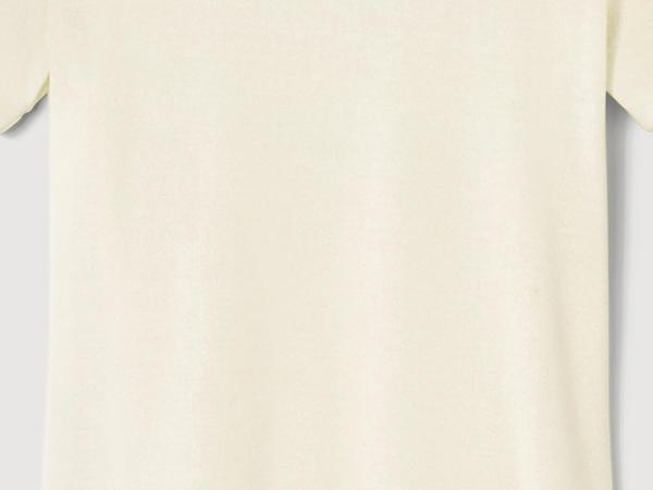 Half-sleeved shirt made of pure organic silk