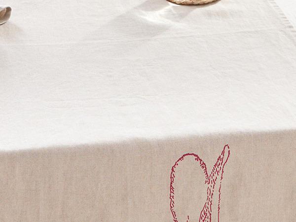 Jänis table runner made of pure linen