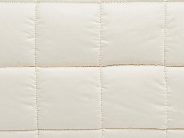 Pillow with organic virgin wool balls