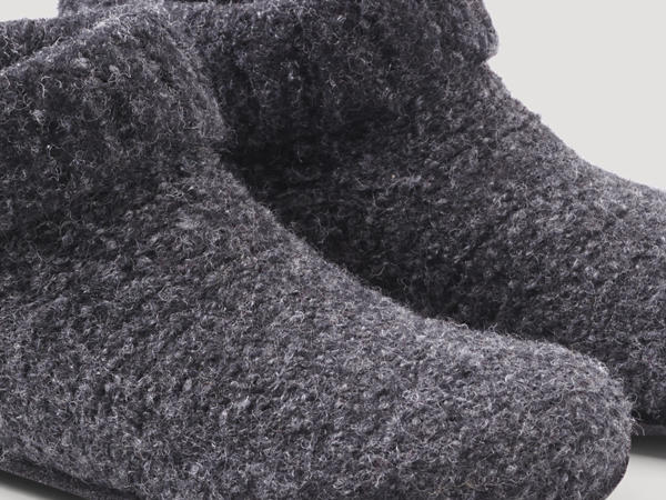 Pure new wool slippers