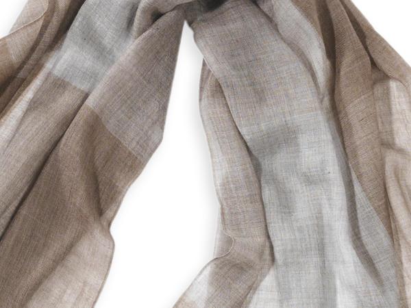 Schal aus reinem ungefärbtem Kaschmir