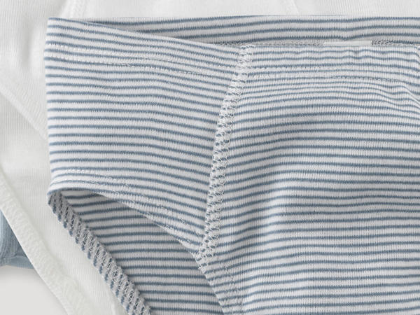 Set of 3 briefs made of pure organic cotton