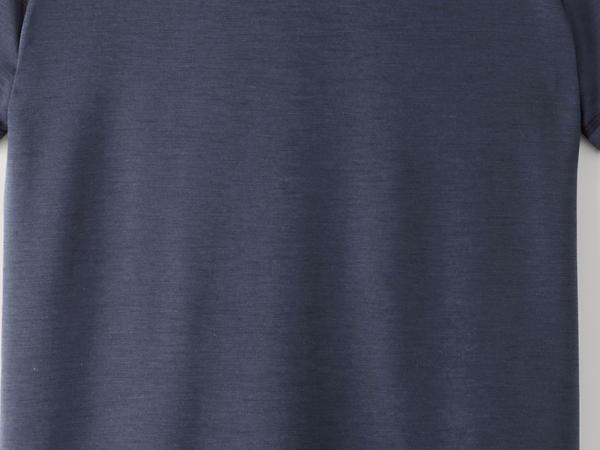 Short-sleeved shirt made of organic merino wool