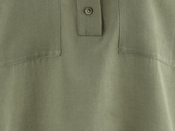 Stehkragen-Bluse aus Bio-Baumwolle mit Seide