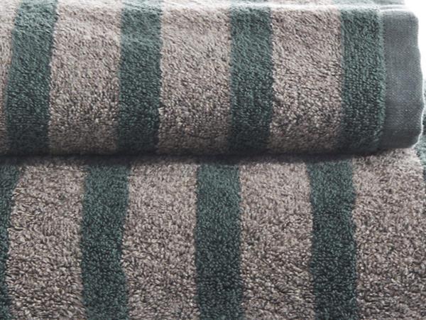 Streifen-Handtuch aus Bio-Baumwolle mit Leinen