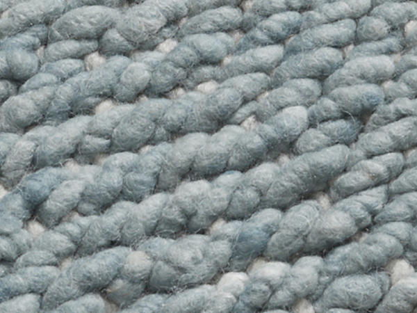 Structured carpet made of pure new wool