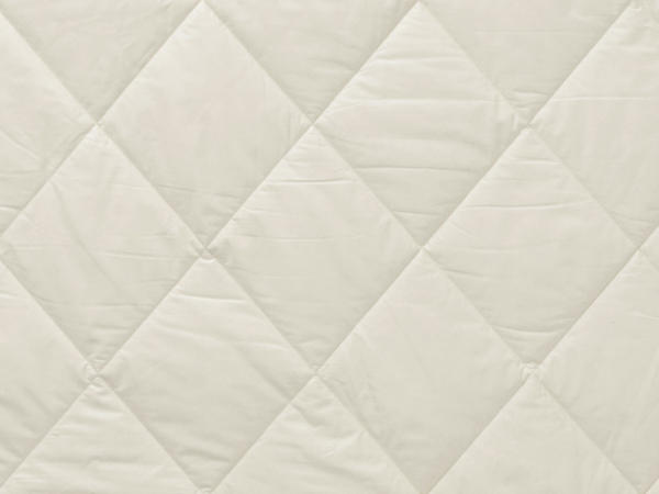 Year-round blanket made of organic cotton with nettle