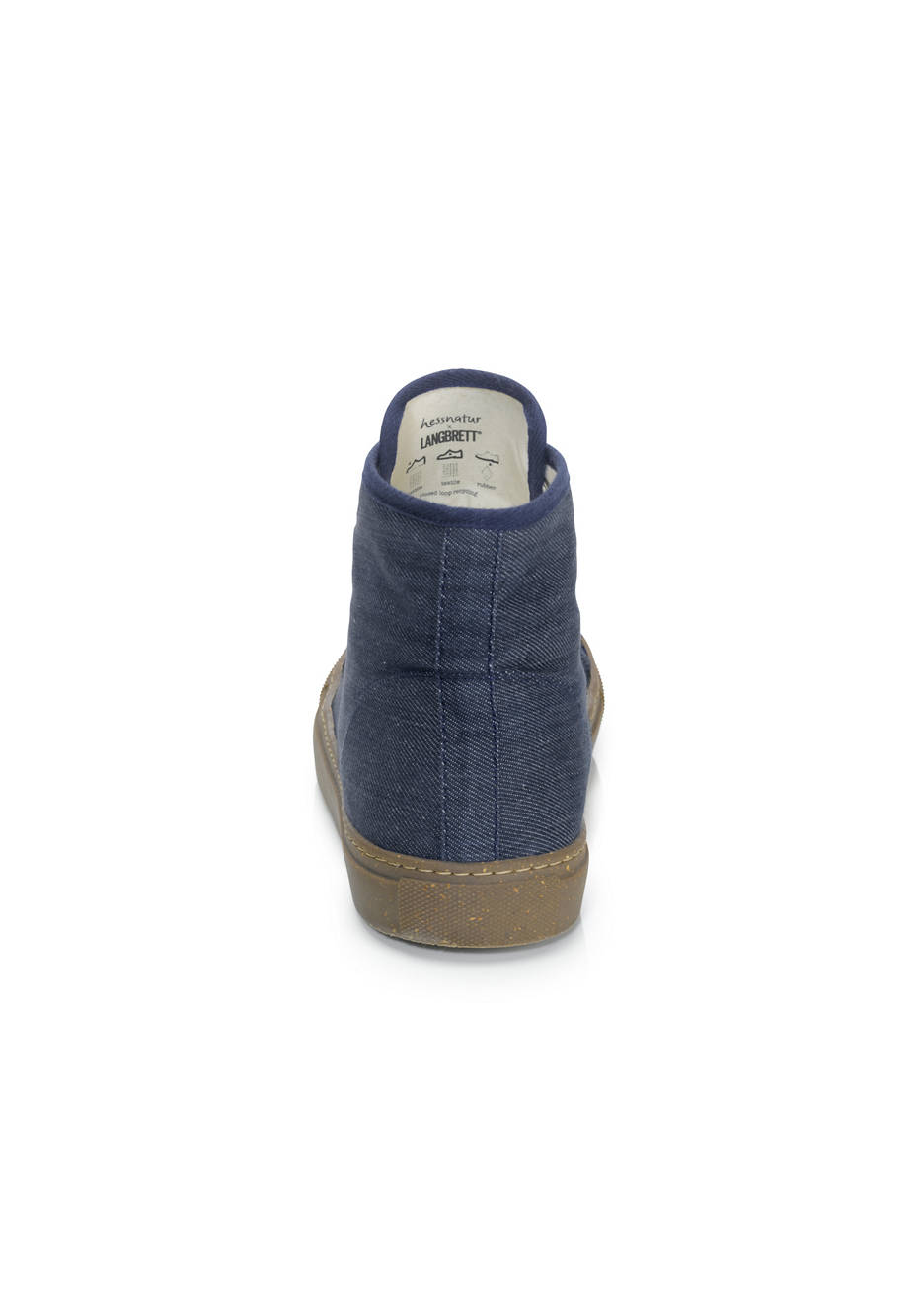 Bed recycling sneakers made from organic denim
