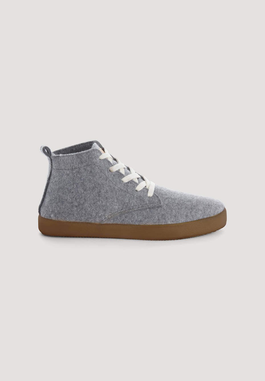Betterecycling sneakers made from organic new wool