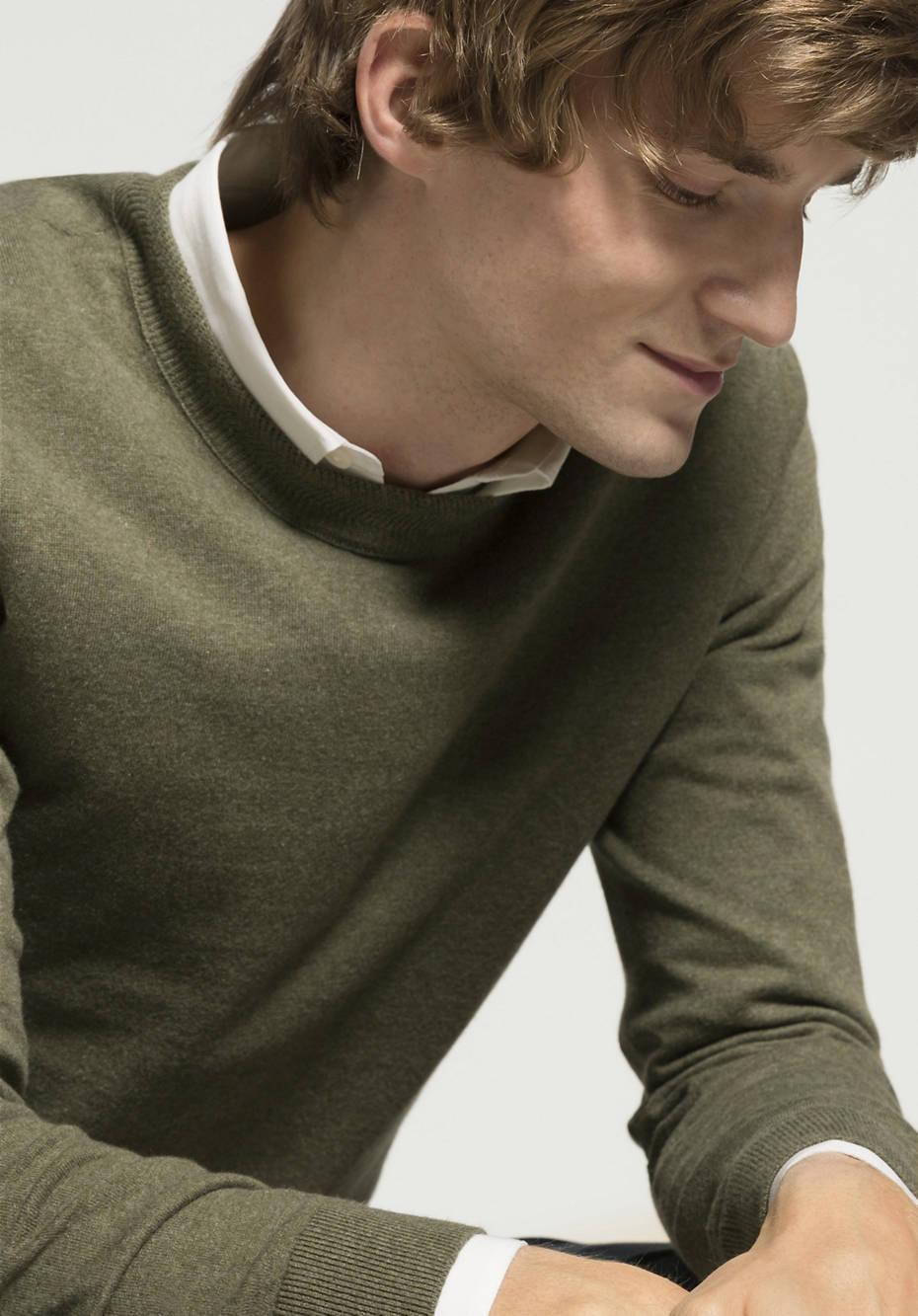 Betterecycling sweater made of organic cotton and Eri silk