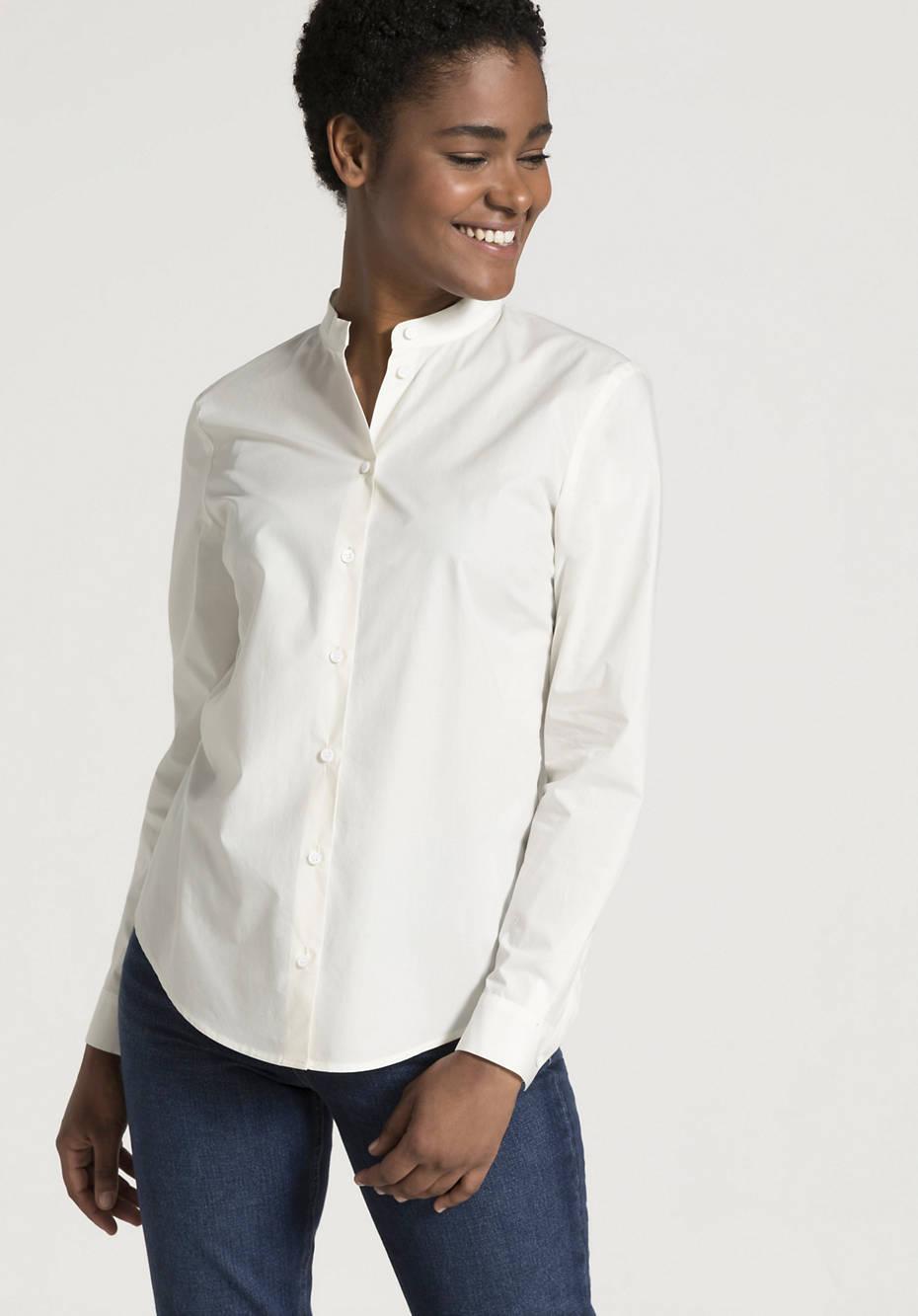 Bluse mit Stehkragen aus reiner Bio-Baumwolle
