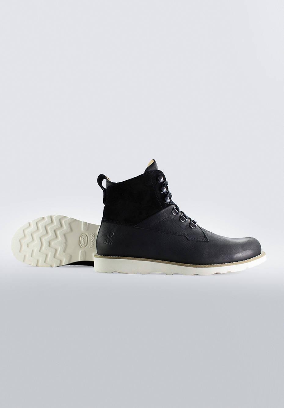 Cedar Boot / Black Leather