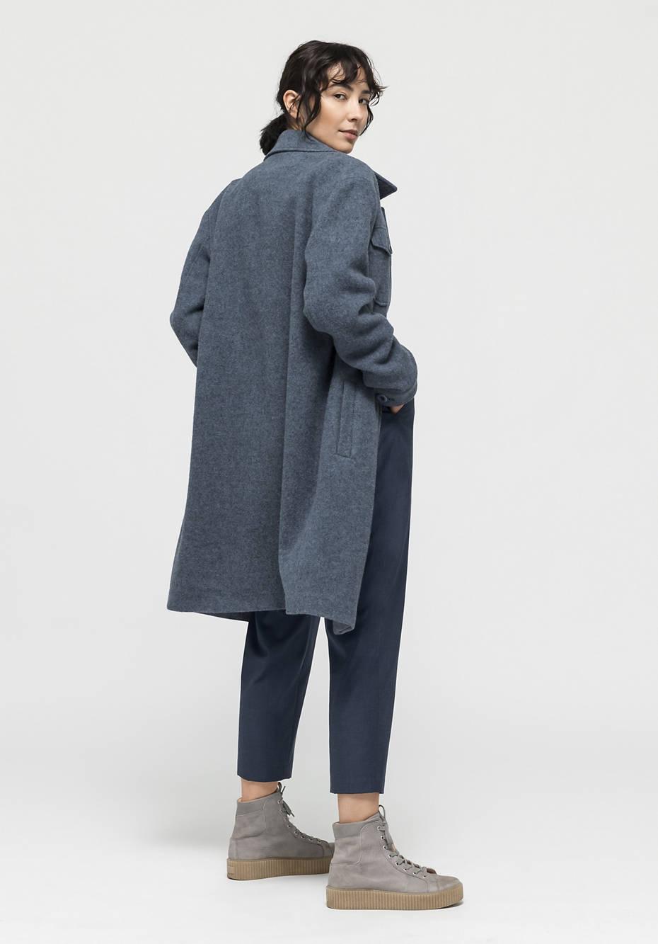 Coat made of alpaca and virgin wool