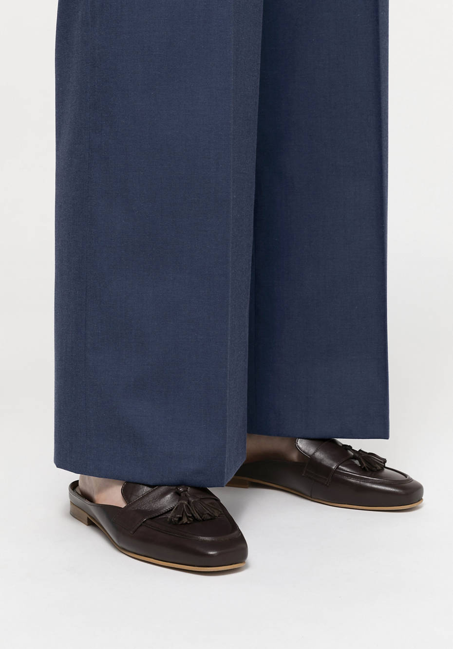 Cropped Flared trousers made of organic virgin wool with organic cotton