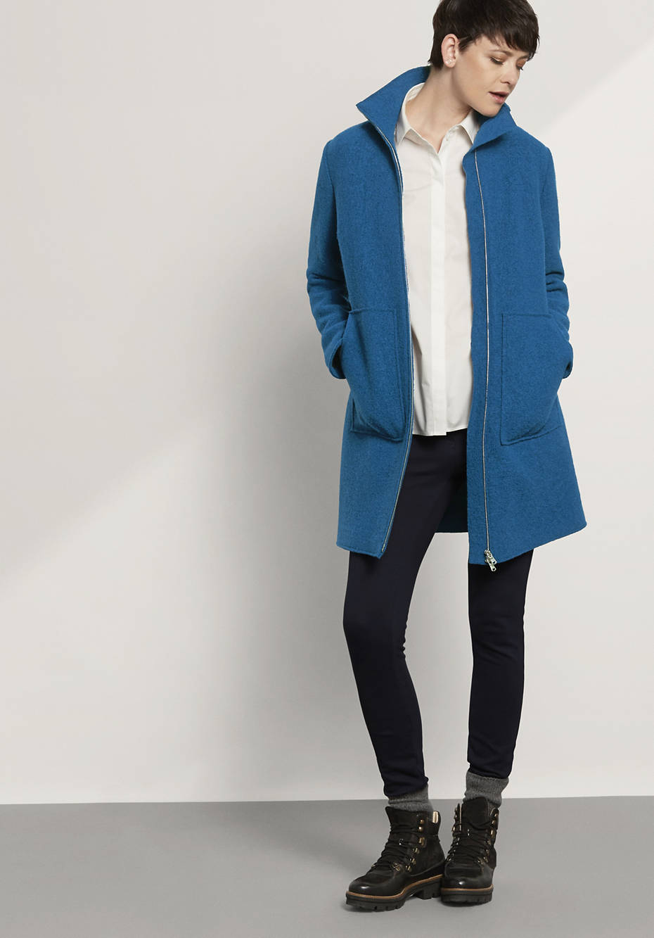 Damen Mantel aus reiner Schurwolle