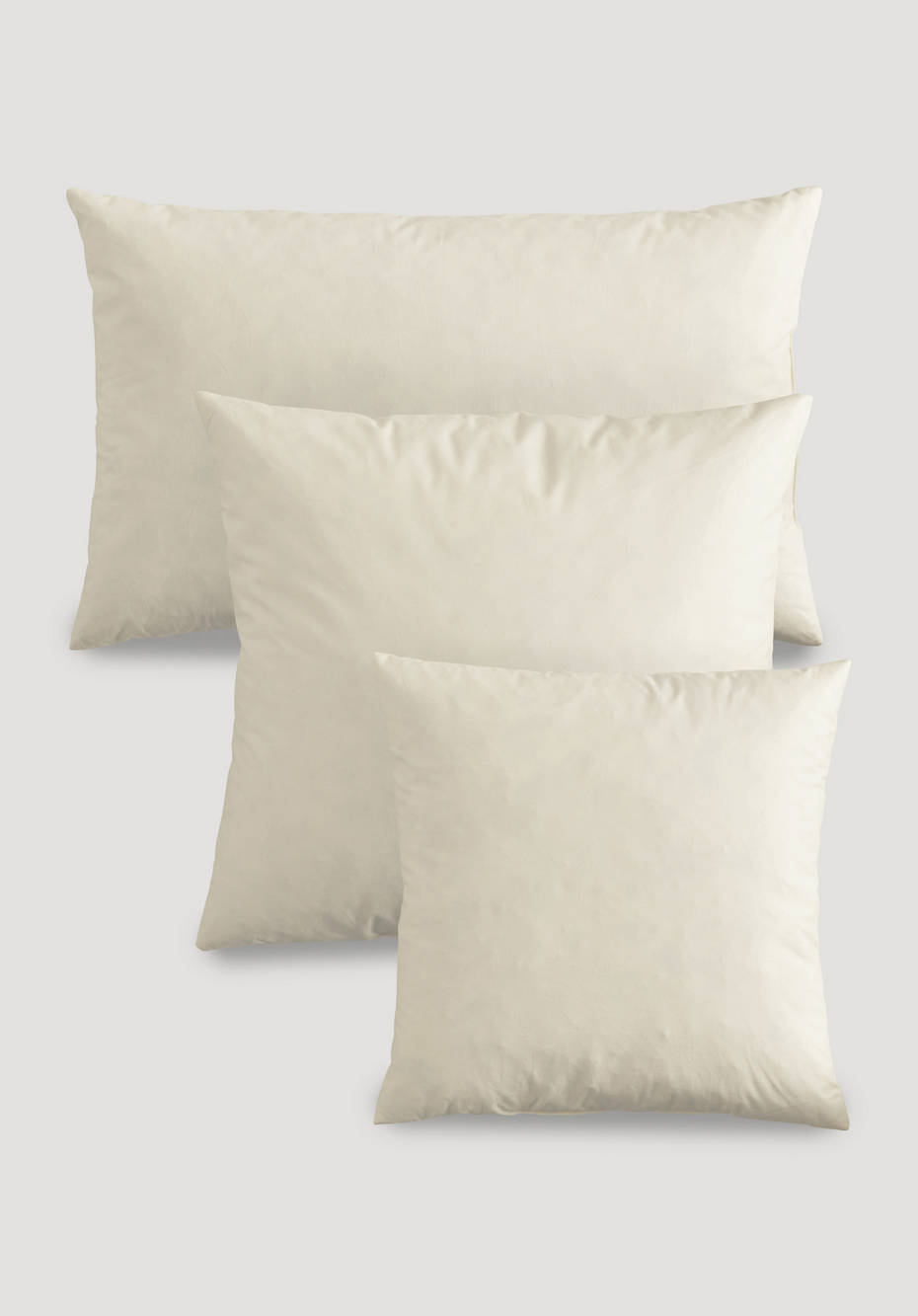Decorative pillows with fair feathers