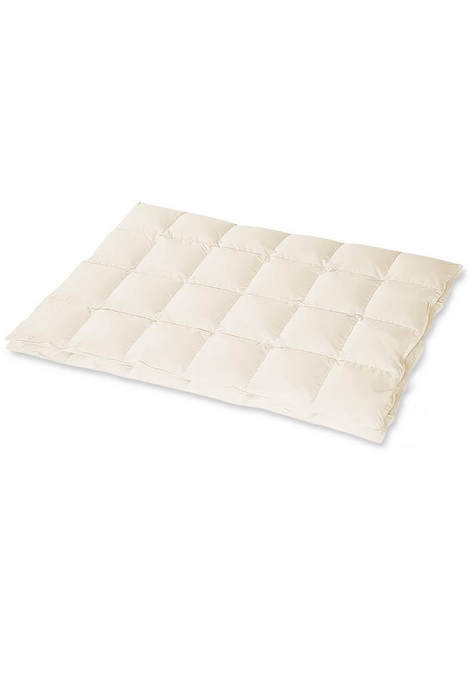 Down comforter medium