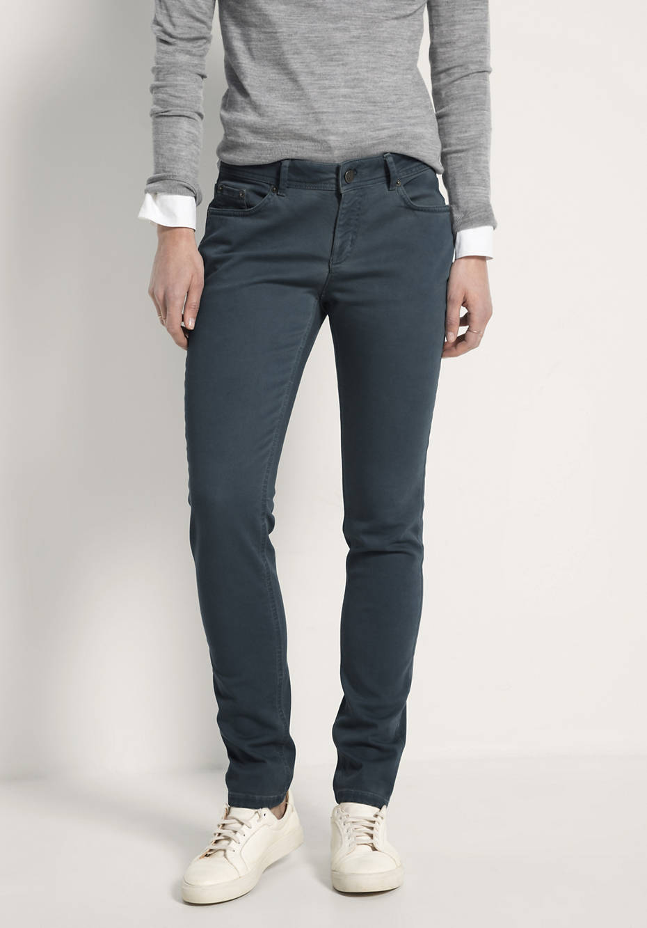 Jeans Slim Fit Coloured Denim aus Bio-Baumwolle