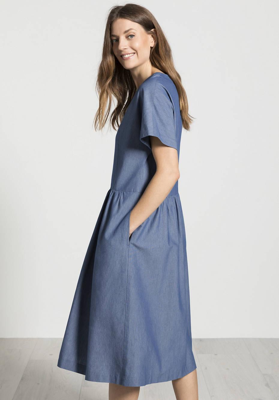 Kleid aus Bananenfasern mit Bio-Baumwolle