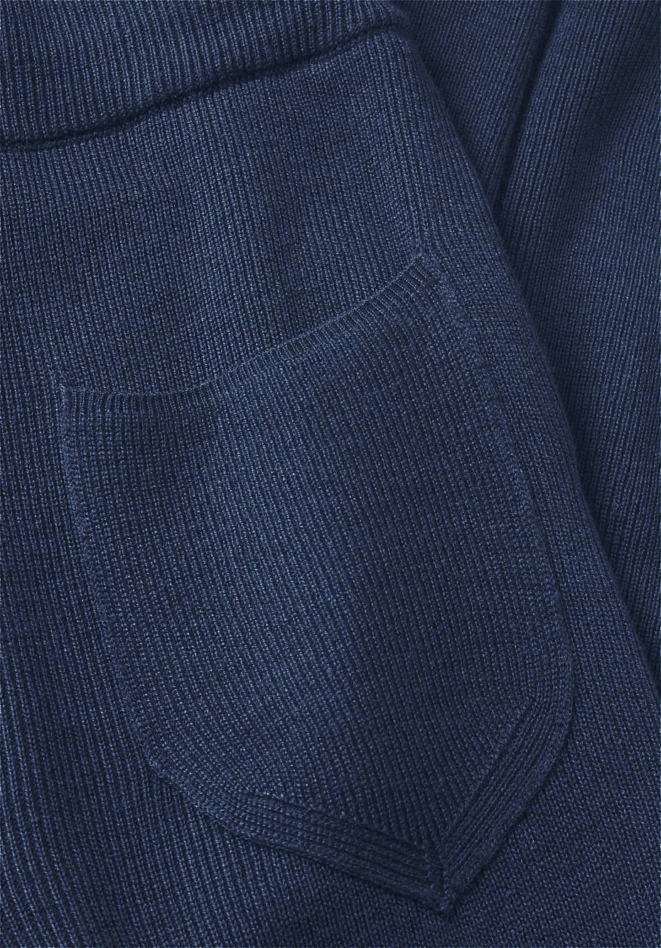 Knitted pants made of organic cotton and organic new wool