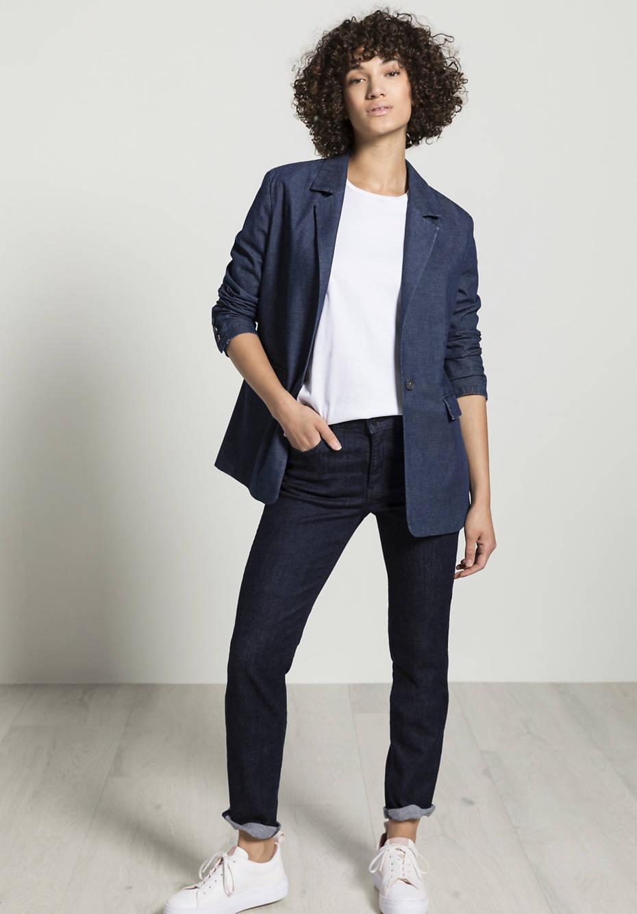 Light denim blazer made of organic cotton with linen