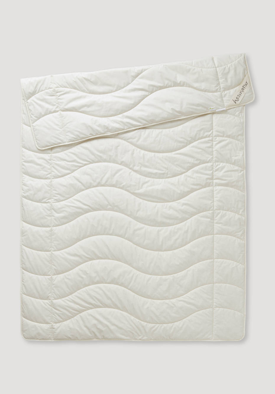 Light summer blanket made of organic cotton with nettle