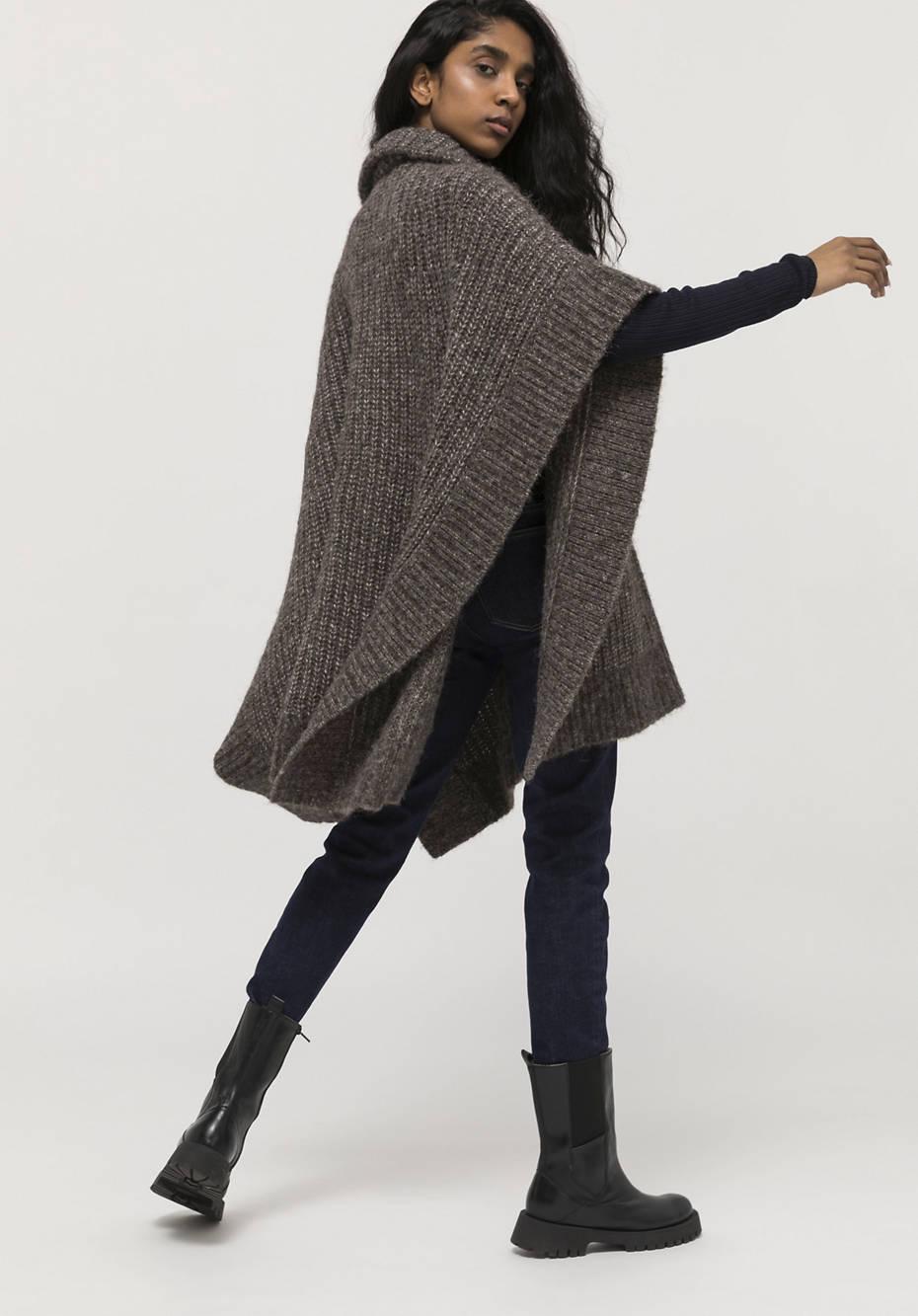 Limited by Nature Strick-Poncho aus Alpaka mit Pima Baumwolle