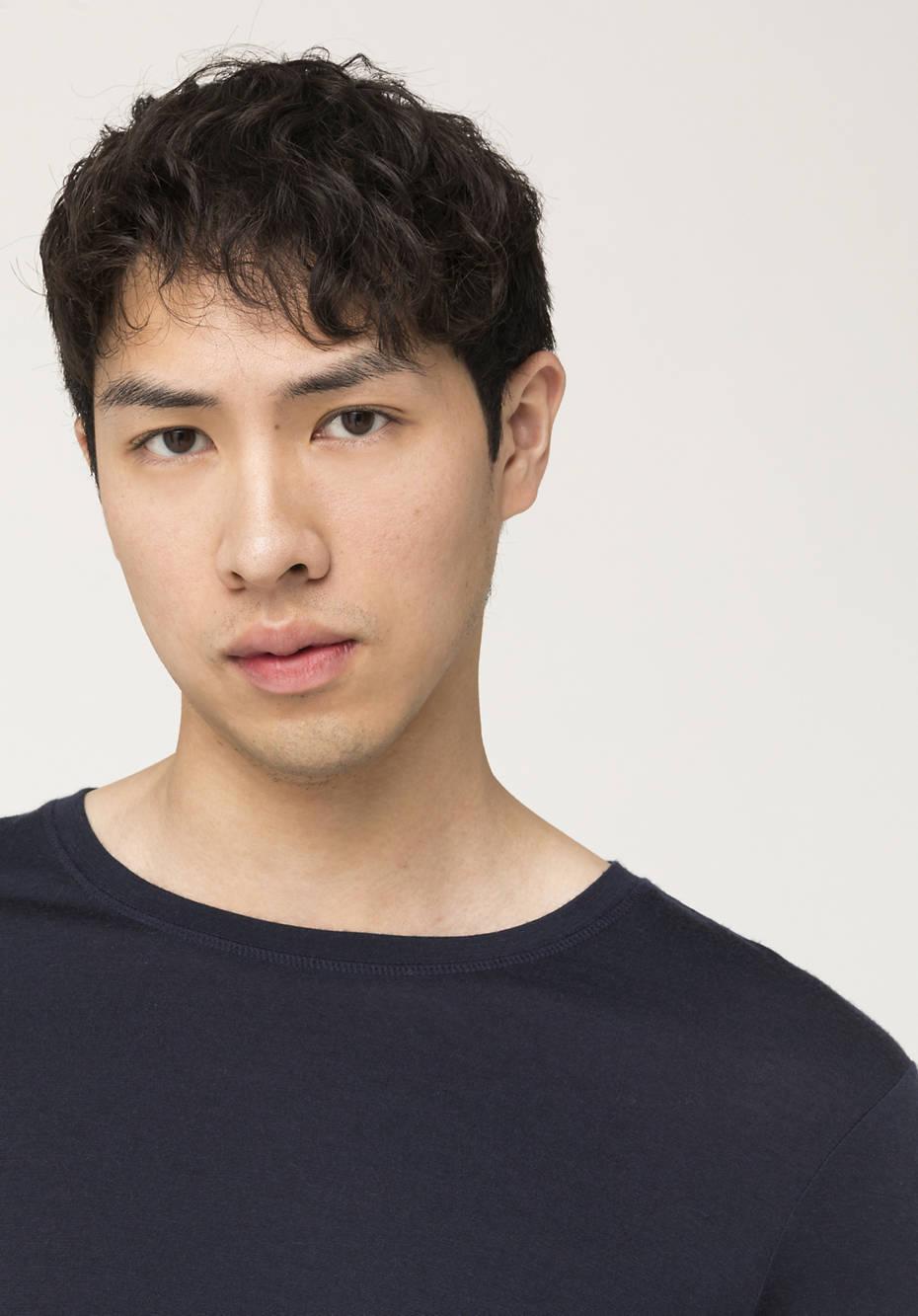 Long-sleeved shirt made from pure organic merino wool