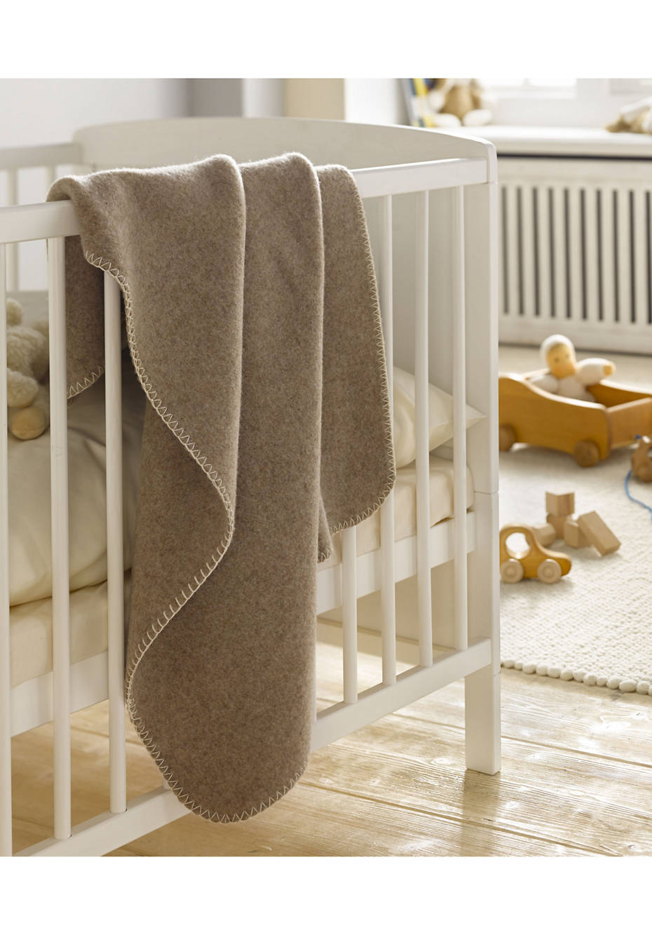 Natural wool blanket baby